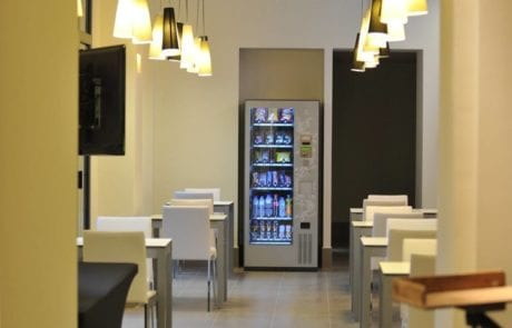 Lámparas suspendidas utilizadas en el desarrollo de un proyecto de iluminación en Hotel