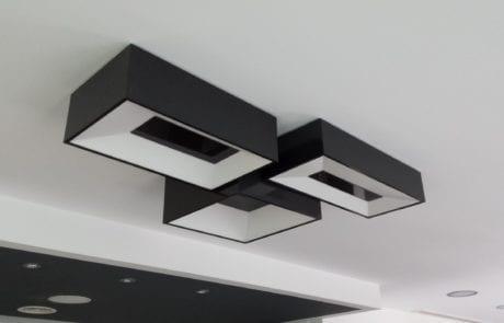 Plafon de techo para proyecto de iluminación decorativa en local empresarial