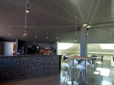 Sistema lumínico en cafetería