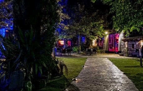 Iluminación decorativa de jardines, finca la Fuente de los Ángeles