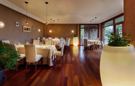 Sistema de luces y lámparas para restaurante