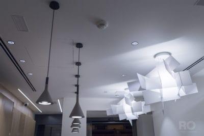 Proyecto de iluminación, lámparas suspendidas en Hotel Pompaleo, Pamplona
