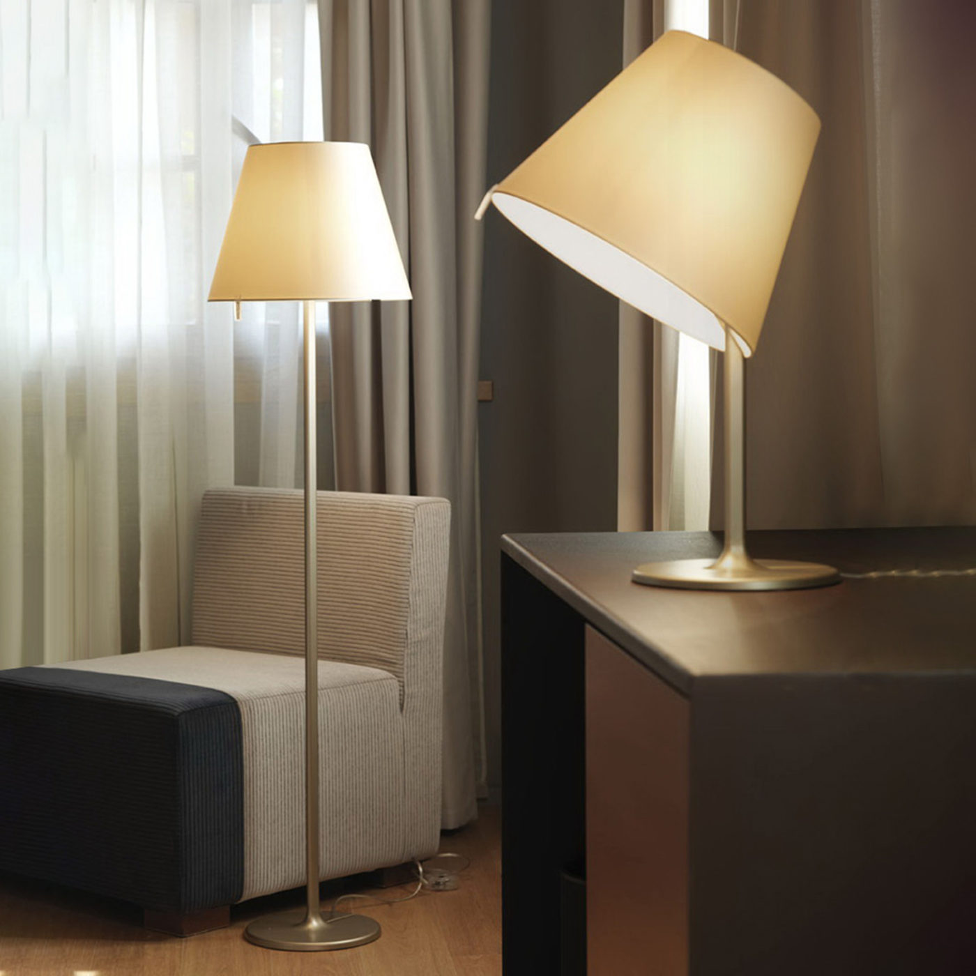 artemide-melampo-lampara-de-pie-163-cm-bronce