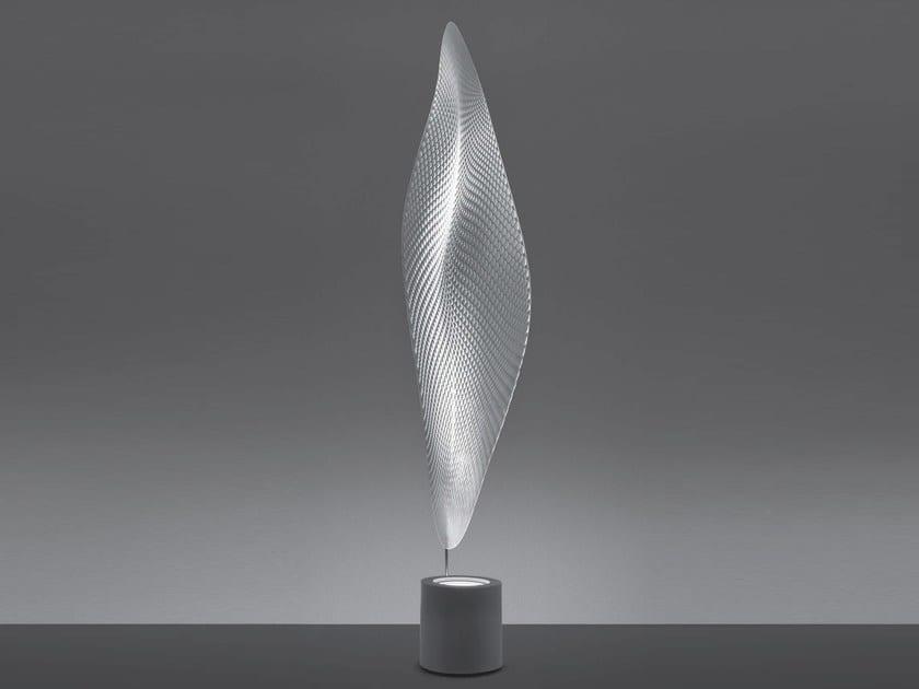 b_COSMIC-LEAF-Floor-lamp-Artemide-249569-rel1697a9d4